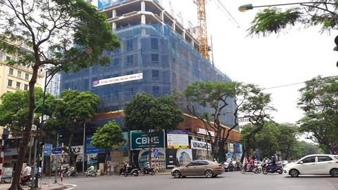 Chung cư đất vàng Hà Nội: Rao bán 43 tỷ một căn, đại gia cũng sốc - Ảnh 1.