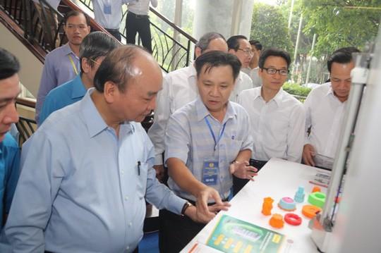 Thủ tướng gặp gỡ công nhân lao động kỹ thuật cao: 43 kiến nghị rất nặng ký! - Ảnh 2.