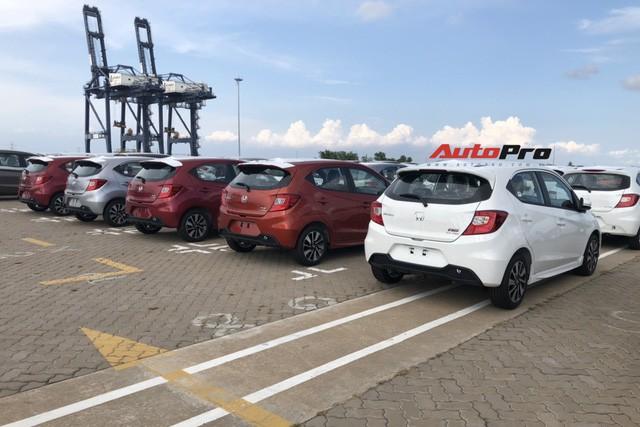 Lô gần 400 xe Honda Brio đổ bộ Việt Nam với một điểm độc đáo so với các xe phổ thông trên thị trường - Ảnh 2.