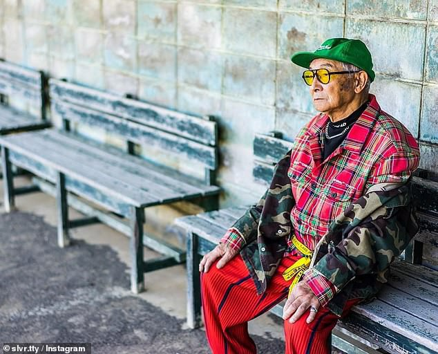 Được cháu trai hậu thuẫn, ông giáo 84 tuổi trở thành ngôi sao thời trang với biệt danh cụ ông sành điệu nhất Nhật Bản, đốn tim hàng trăm ngàn người - Ảnh 3.