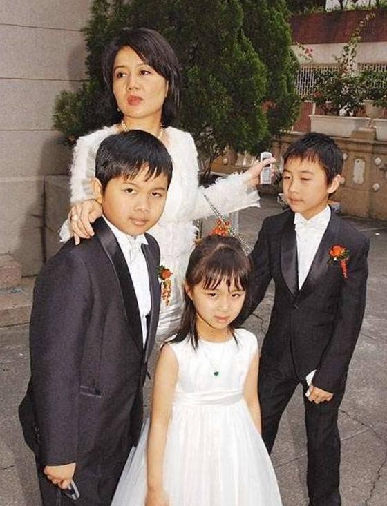 Lọ lem xuất chúng của Macau: Vũ nữ đổi đời thành bà tư gia sản chục ngàn tỷ, khiến trùm sòng bạc phải nể phục - Ảnh 19.