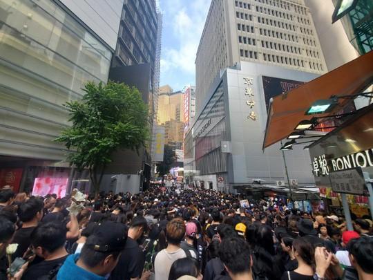 Hồng Kông: Biểu tình tiếp diễn đòi trưởng đặc khu từ chức - Ảnh 4.