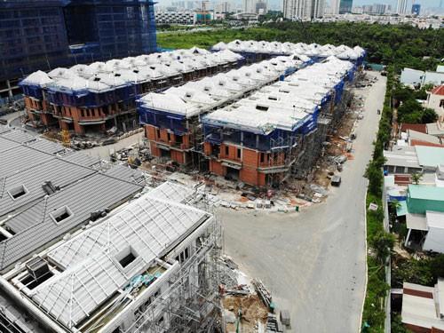 Xây liều 110 biệt thự ở khu Nam Sài Gòn - Ảnh 1.