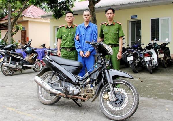 Bắt giữ kẻ cướp ngân hàng Agribank ở Lào Cai - Ảnh 1.