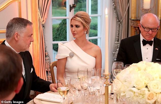 Ngày thứ 3 tại Anh, Ivanka Trump tiếp tục làm chao đảo giới truyền thông, lấn át cả gia đình Hoàng gia bằng màn thể hiện xuất chúng - Ảnh 6.