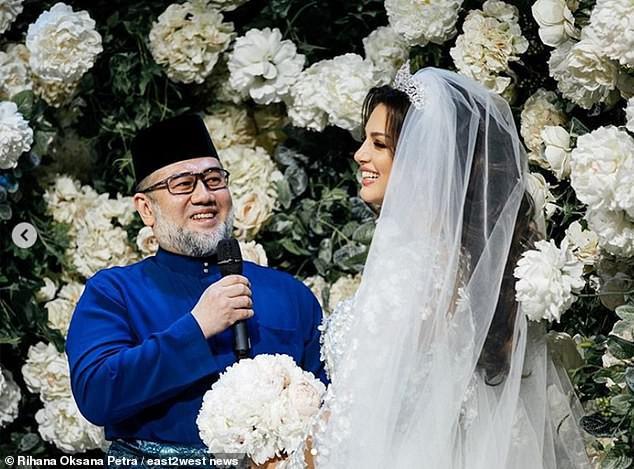 Cuộc sống thay đổi bất ngờ của nữ hoàng sắc đẹp Nga khi lấy cựu Quốc vương Malaysia hơn 24 tuổi, chấp nhận từ bỏ ngôi vị sau khi kết hôn - Ảnh 8.