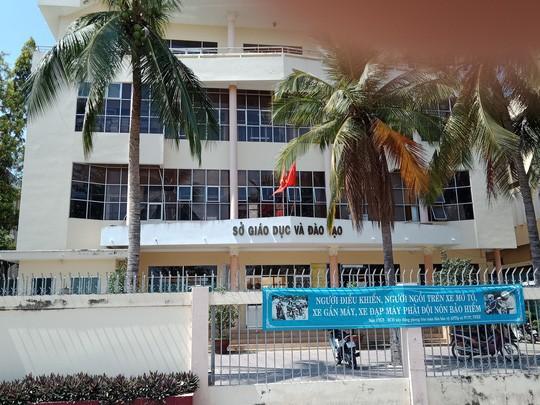 Cách chức cán bộ làm lộ đề thi ở Bình Thuận  - Ảnh 1.