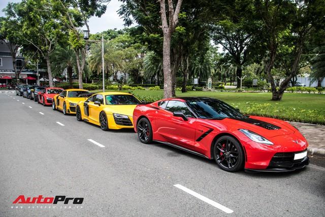 Dàn siêu xe Sài Gòn xếp hàng dài trên một con phố với cách phối màu gây chú ý - Ảnh 24.