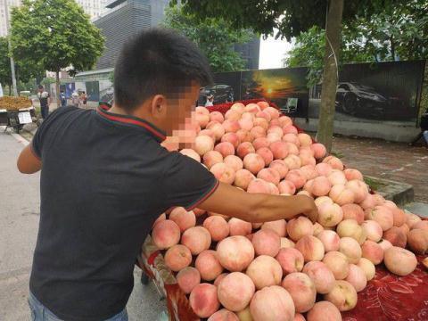 Bán hoa quả Trung Quốc nói hàng Việt: Tội gì không nói - Ảnh 3.
