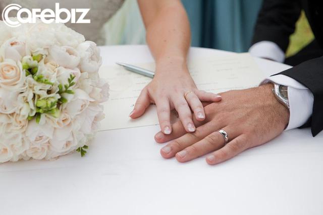 Bức thư người cha giám đốc gửi con trai trước ngày cưới: Vợ không phải người thân, dù các con kết hôn bao nhiêu năm đi chăng nữa - Ảnh 2.