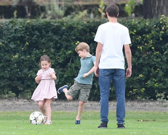 Hình ảnh đi chơi chung hiếm hoi của hai gia đình Hoàng tử Anh  - Ảnh 11.