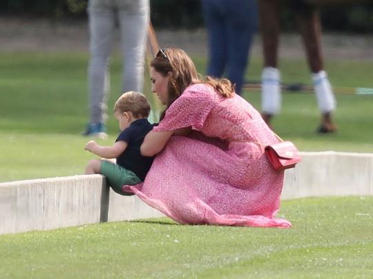 Hình ảnh đi chơi chung hiếm hoi của hai gia đình Hoàng tử Anh  - Ảnh 8.