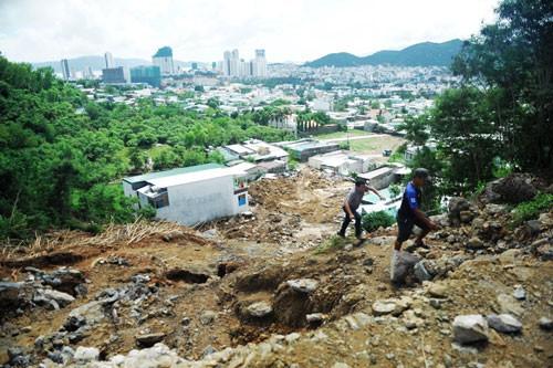 Dày đặc dự án trên núi ở Nha Trang - Ảnh 1.