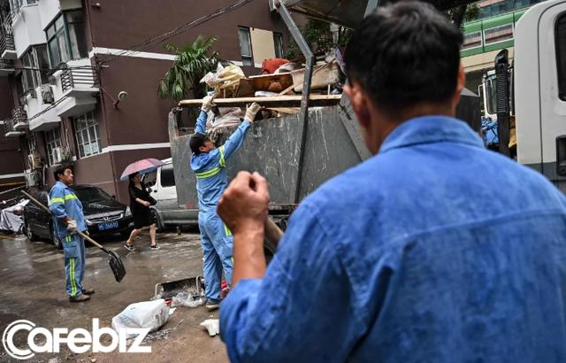 Ở Trung Quốc, đi đổ rác cũng bị nhận diện khuôn mặt: Phân loại sai hay vứt rác không đúng chỗ sẽ bị phạt nặng và giảm điểm tín nhiệm xã hội - Ảnh 2.