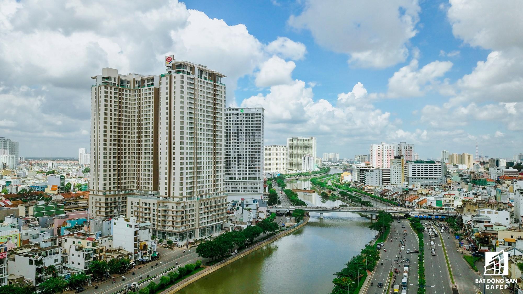 Những cửa ngõ ra vào trung tâm Sài Gòn đang bị 'bóp nghẹt' như thế nào? - Ảnh 6.