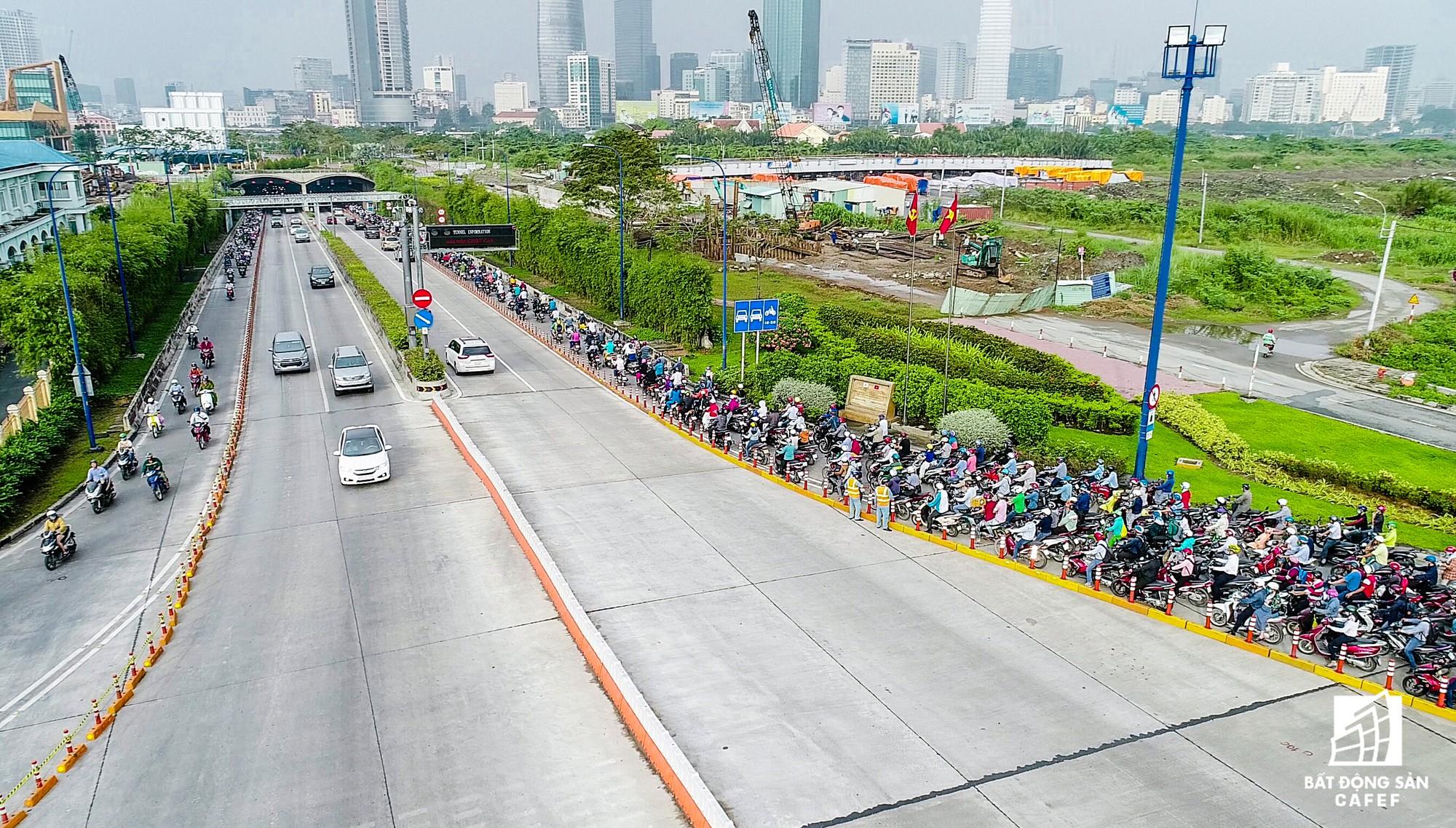 Những cửa ngõ ra vào trung tâm Sài Gòn đang bị 'bóp nghẹt' như thế nào? - Ảnh 11.