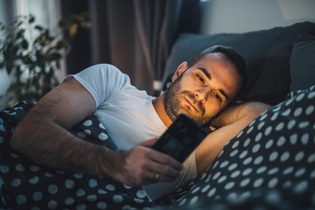 Thường xuyên mất ngủ vào sáng sớm có thể là cảnh báo cuộc sống đang quá áp lực: Đã đến lúc thay đổi lối sống của mình! - Ảnh 2.
