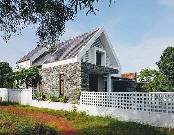 Mẫu nhà cấp 4 gác lửng mái Thái đẹp miễn chê chỉ 200- 300 triệu đồng - Ảnh 2.