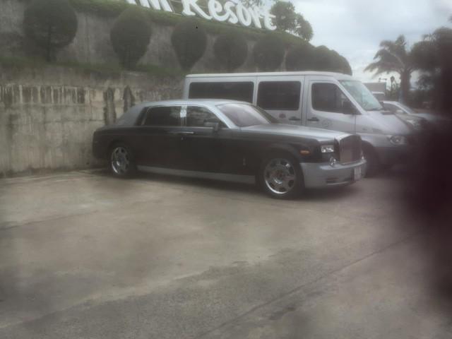 Hàng hiếm Rolls-Royce Phantom EWB của ông chủ Trung Nguyên bị khuyết logo bánh xe: Do kẻ gian lấy mất? - Ảnh 2.