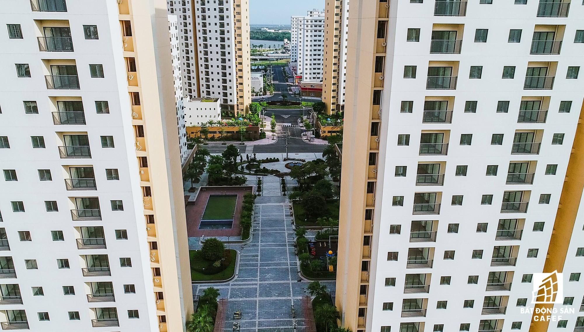 Toàn cảnh khu tái định cư đồ sộ nhất TPHCM, chục nghìn căn hộ không ai ở, bán đấu giá nhiều lần thất bại - Ảnh 13.