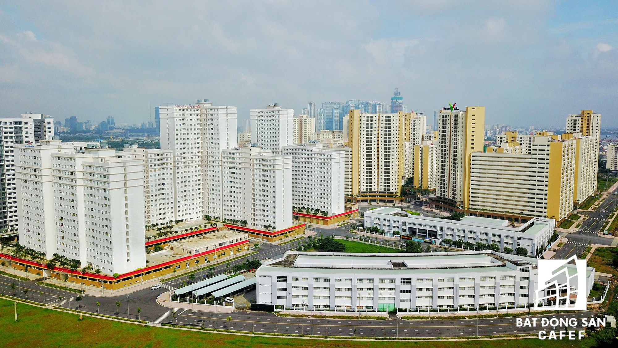 Toàn cảnh khu tái định cư đồ sộ nhất TPHCM, chục nghìn căn hộ không ai ở, bán đấu giá nhiều lần thất bại - Ảnh 3.