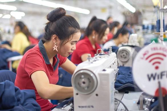 Thế khó của doanh nghiệp dệt may, xơ sợi Việt Nam trong căng thẳng tiền tệ - Ảnh 1.