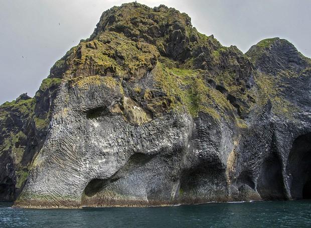 Cả thế giới đang sửng sốt vì tảng đá hình voi khổng lồ ở Iceland quá giống thật, khi chụp flycam từ trên xuống còn sốc hơn! - Ảnh 4.