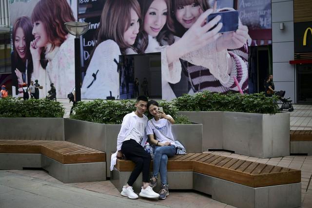 Cho vay ngang hàng mới được thắt chặt, giới trẻ Trung Quốc lại trở thành con nợ của những ứng dụng đến từ Alibaba, JD.com - Ảnh 2.