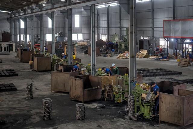 WSJ: Chiến tranh thương mại leo thang mở cơ hội cho Việt Nam trở thành công xưởng thế giới, nhưng vẫn cần thêm thời gian - Ảnh 3.