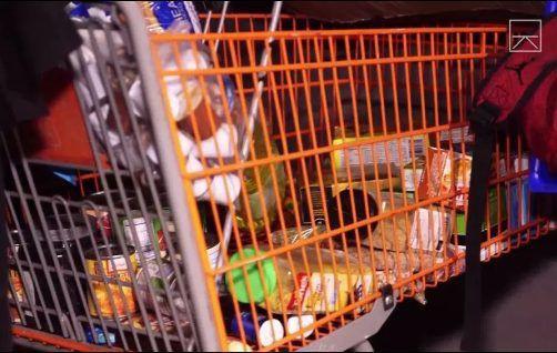 Góc khuất sau Las Vegas hào nhoáng: Cuộc sống chui rúc của cư dân chuột chũi trong đường hầm bẩn thỉu, nhặt thức ăn thừa từ thùng rác - Ảnh 9.