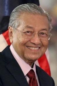 Chân dung Thủ tướng lớn tuổi nhất thế giới: Cha đẻ của hiện đại hoá Malaysia, tái đắc cử ở tuổi 92 - Ảnh 1.