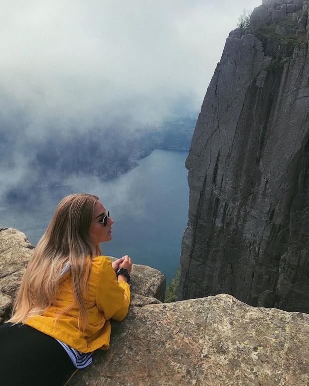 """Sốc: Na Uy """"nhá hàng"""" khách sạn nằm cheo leo trên vách đá cao hơn 600m, cư dân mạng tự hỏi """"ai mà dám ở""""? - Ảnh 5."""