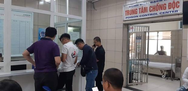 Nhiều phóng viên Hà Nội phải đến trung tâm chống độc kiểm tra sức khỏe sau khi tác nghiệp ở đám cháy công ty phích nước Rạng Đông - Ảnh 1.