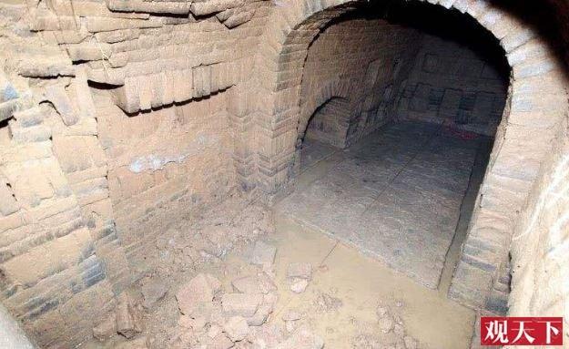 Khai quật mộ cổ nghìn năm của cháu gái Hoàng hậu Trung Hoa và câu chuyện bí ẩn đằng sau 4 chữ người mở sẽ chết trên nắp quan tài - Ảnh 1.