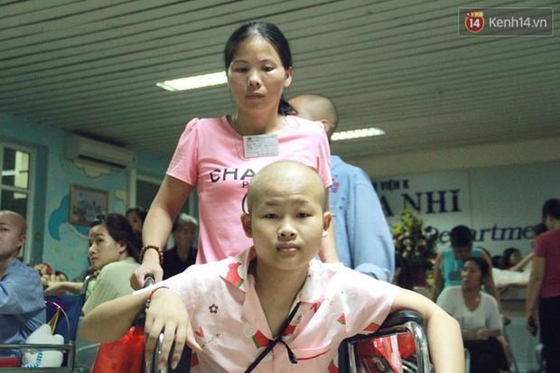 Lời cầu nguyện của chiến binh đầu trọc trong đêm Trung Thu sớm ở bệnh viện: Con ước mơ mình khỏe mạnh để được về và đi học - Ảnh 16.