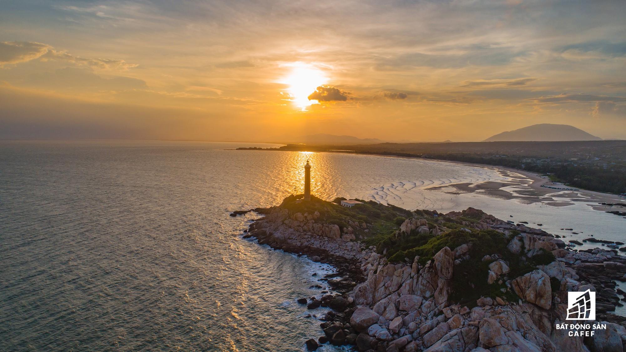 Quy hoạch thành khu du lịch quốc gia, dải ven biển này đang đón dòng vốn hàng tỷ USD, giá đất tăng chóng mặt - Ảnh 18.