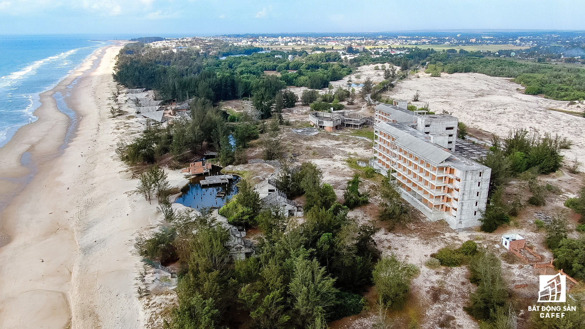 Quy hoạch thành khu du lịch quốc gia, dải ven biển này đang đón dòng vốn hàng tỷ USD, giá đất tăng chóng mặt - Ảnh 25.