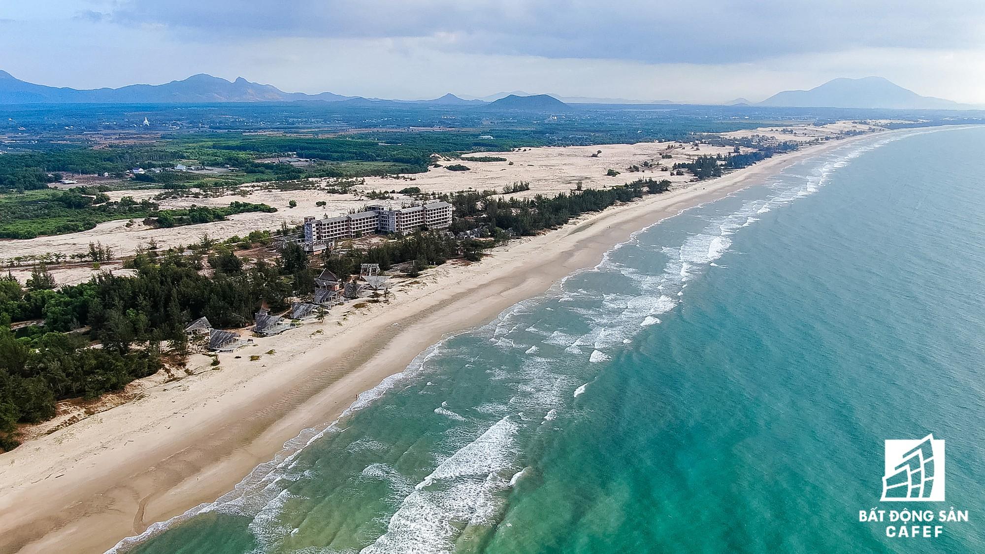 Quy hoạch thành khu du lịch quốc gia, dải ven biển này đang đón dòng vốn hàng tỷ USD, giá đất tăng chóng mặt - Ảnh 24.