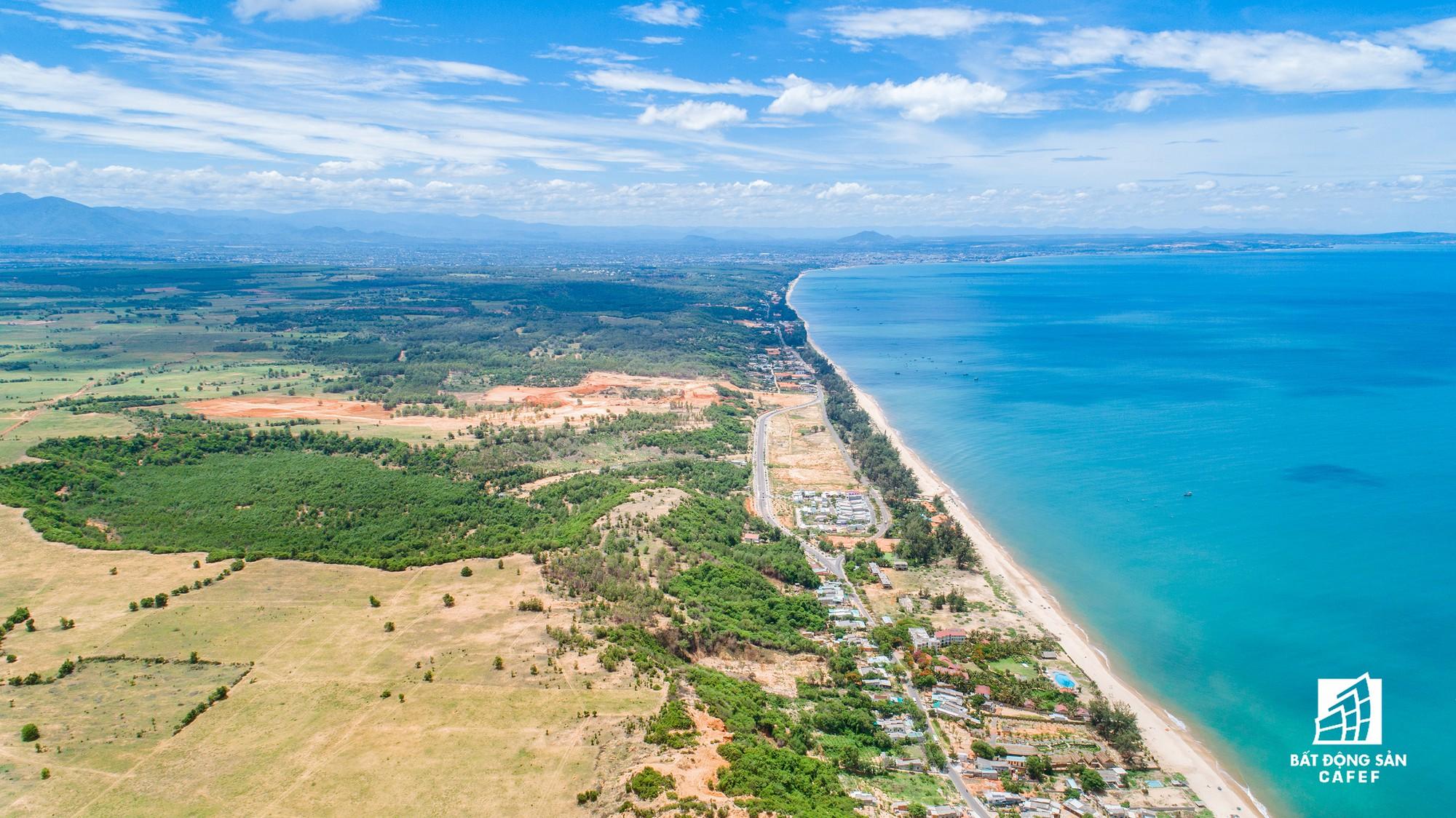 Quy hoạch thành khu du lịch quốc gia, dải ven biển này đang đón dòng vốn hàng tỷ USD, giá đất tăng chóng mặt - Ảnh 2.