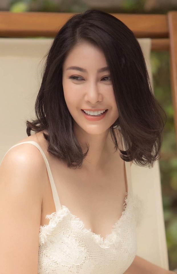Hoa hậu có xuất thân khủng nhất Việt Nam: Cuộc đời long đong lận đận, trải qua sóng gió mới tìm thấy hạnh phúc - Ảnh 16.
