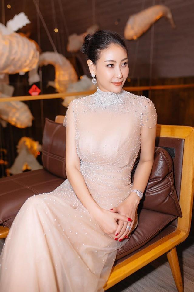 Hoa hậu có xuất thân khủng nhất Việt Nam: Cuộc đời long đong lận đận, trải qua sóng gió mới tìm thấy hạnh phúc - Ảnh 19.