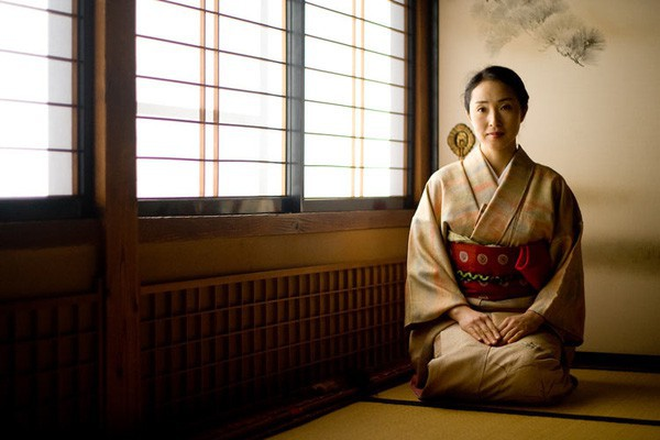 Phụ nữ Nhật Bản thời hiện đại: Tự kết hôn với chính mình, coi việc lấy chồng là tự dồn mình vào góc tường, khiến các đấng mày râu ế vợ, chính quyền lo lắng - Ảnh 1.