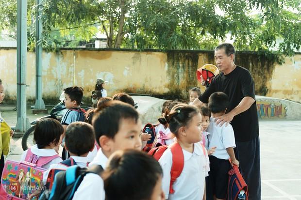 Ông bụt ở Sài Gòn tặng hơn 100 tỷ cho trẻ mồ côi: Nếu đã gọi mấy đứa nhỏ là con thì tiền bạc đừng để trong đầu - Ảnh 6.