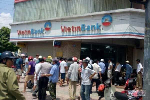 Cướp ngân hàng Vietinbank ở Hà Nội - Ảnh 1.