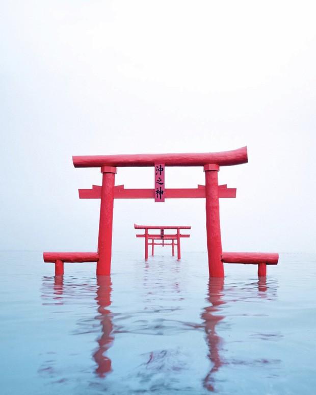 Loạt cổng Torii huyền thoại dọc khắp xứ Phù Tang, có nơi nối dài đến hơn... 10.000 cái - Ảnh 11.