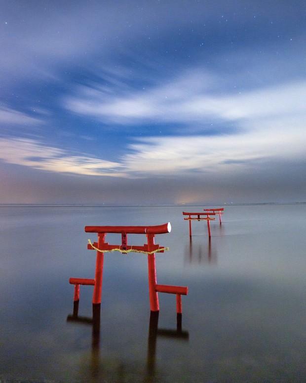 Loạt cổng Torii huyền thoại dọc khắp xứ Phù Tang, có nơi nối dài đến hơn... 10.000 cái - Ảnh 12.