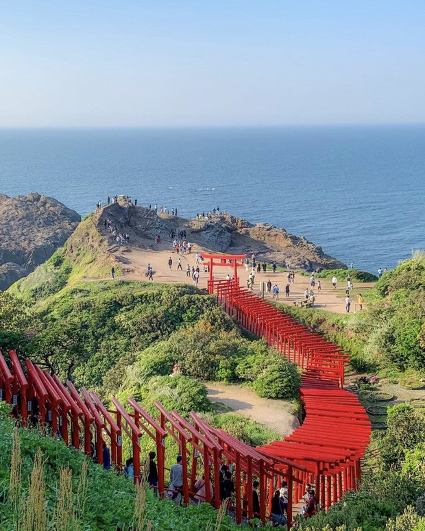 Loạt cổng Torii huyền thoại dọc khắp xứ Phù Tang, có nơi nối dài đến hơn... 10.000 cái - Ảnh 20.