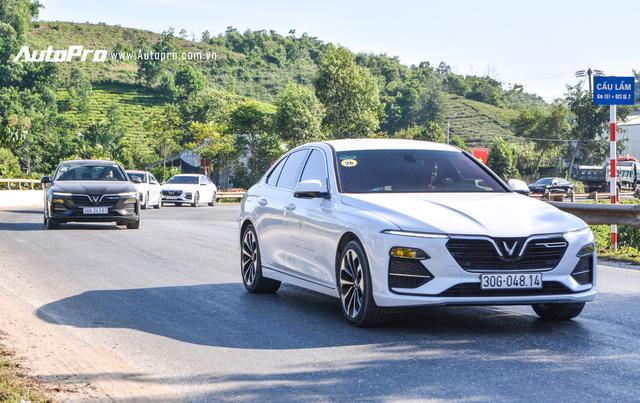 VinFast Lux trả lái chậm, nhiều xe được gọi tới đại lý để kiểm tra - Ảnh 3.