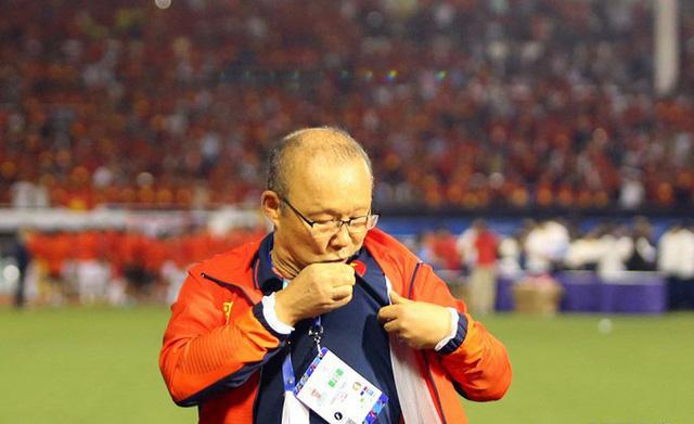 Lần đầu tiên tìm hiểu và biết Việt Nam là nấm mồ của các HLV nước ngoài, thầy Park vẫn ký hợp đồng: May mắn chỉ mỉm cười với những người thực sự nỗ lực! - Ảnh 3.