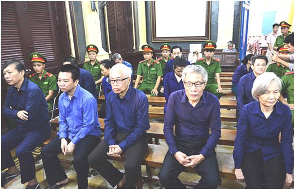 Nguyên Tổng Giám đốc DAB Trần Phương Bình bị truy tố tội mới - Ảnh 1.